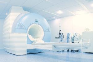 Rezonans magnetyczny oraz tomografia komputerowa u pacjentów z implantowanymi urządzeniami do elektroterapii serca